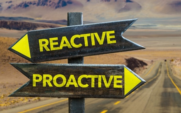 Proactive and reactive website chat